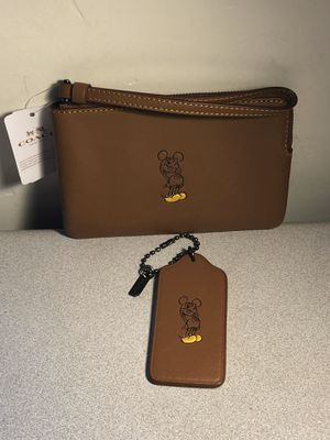 New Coach/Disney Limited Editions Leather Wristlet with Tag (Pickup Only) for Sale in Tucson, AZ