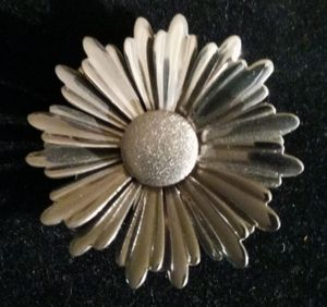 Giant Daisy or Chrysanthemum Brooch Pin for Sale in Albuquerque, NM