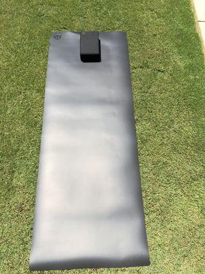Lululemon 5mm The Reversible Big Mat (black/swirl gray black mix) for Sale in Rancho Cucamonga, CA