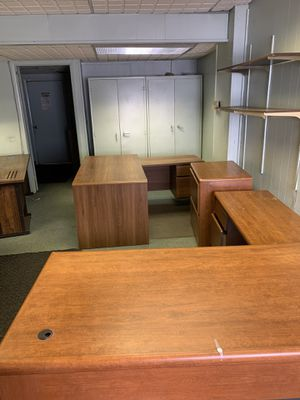 Free TODAY Only Desks, Filing Cabinets, NicNaks for Sale in Cherry Hill, NJ