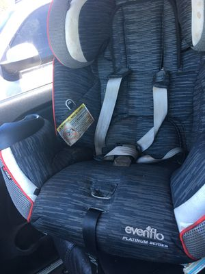 Evenflo car seat for Sale in Covina, CA