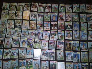 100 baseball cards 1977 for Sale in Las Vegas, NV