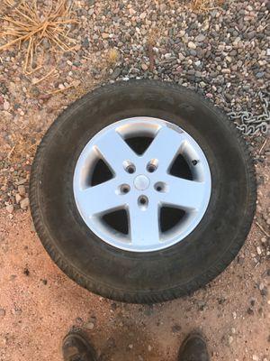 Jeep wheel tire p255/75 R 17 for Sale in Tempe, AZ