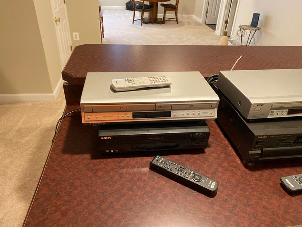 CD/DVD/VHS players