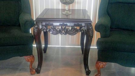 2 chairs for Sale in Reedley,  CA
