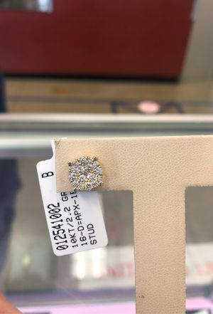 10k Diamond earring (only 1) for Sale in Pasadena, TX