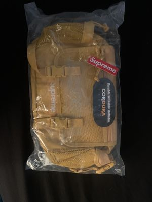 Supreme waist bag (SS20) Gold for Sale in Dallas, TX