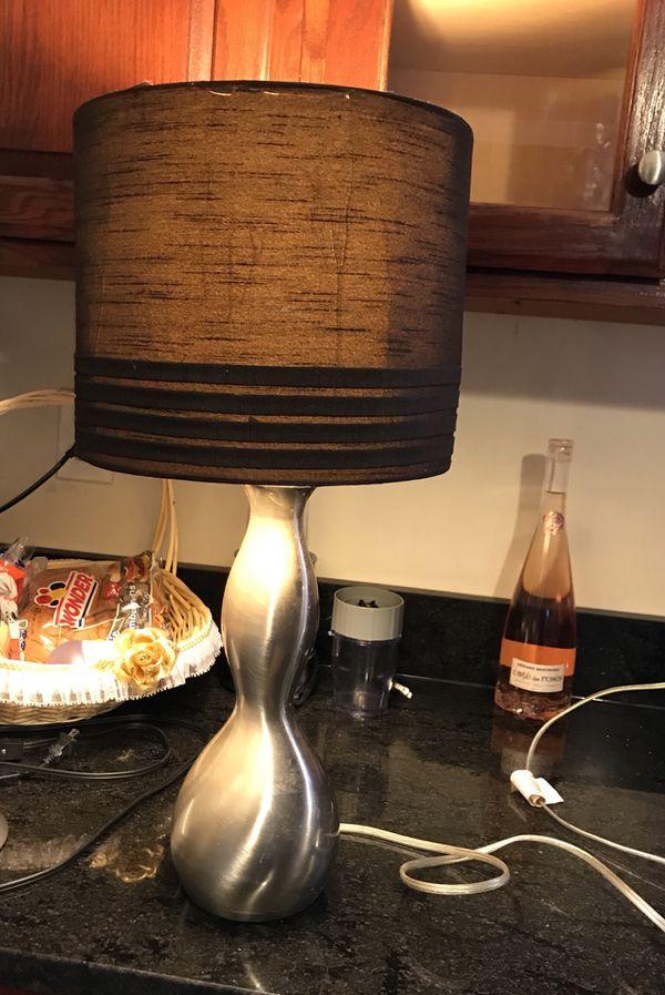 BROWN SHADE LAMP
