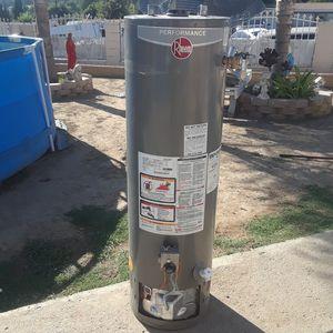 RHEEM 28 GALLON WATER HEATER or REPAIR for Sale in La Puente, CA