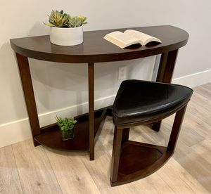 new Console Table with nesting stool for Sale in Folsom, CA
