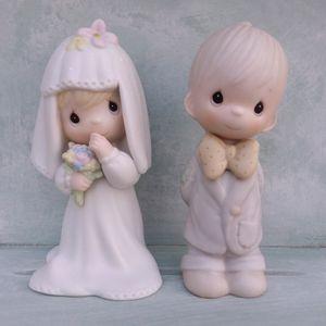 Precious Moments Bride Figurine 1983 E-2846& Groom Figurine 1983 E-2837 for Sale in Canyon Lake, CA