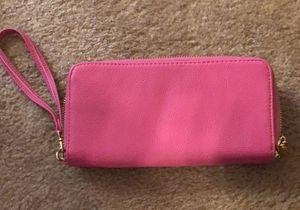 Pink wallet/wristlet (Target brand) for Sale in Durham, NC