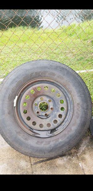 Gmc / chevy spare tire for Sale in Pompano Beach, FL