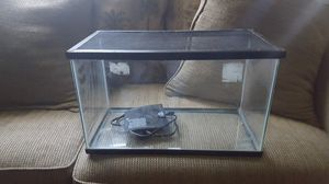 10 Gallon Aquarium with Lid and heating mat for Sale in High Point, NC