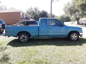 97 Toyota tacoma lx Automatic for Sale in Kissimmee, FL