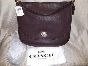 NWT Coach Turnlock Hobo In Pebble purse for Sale in Atlanta, GA