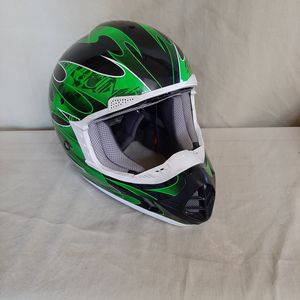THH Motorcycle Helmet Youth Size M for Sale in Lake Elsinore, CA