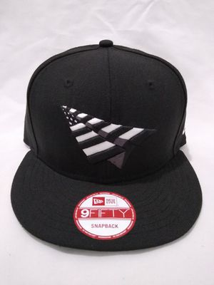 PAPER PLANES NEW ERA SNAPBACK HAT BRAND NEW ROCNATION HIGH CROWN for Sale in South Gate, CA