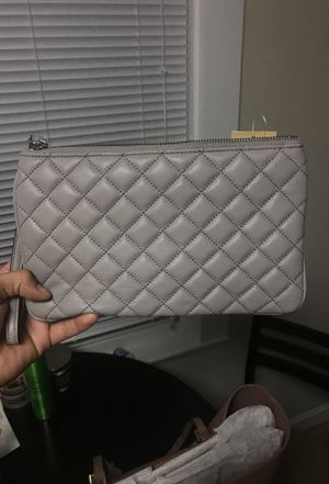 Micheal kors clutch/ large wristlet for Sale in Somerville, MA