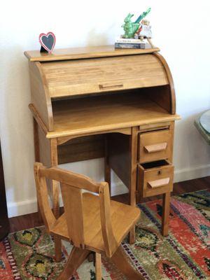 MAKE BEST OFFER!!! Antique Oak Child's Roll Top Desk w/ swivel adjustable chair for Sale in Hercules, CA