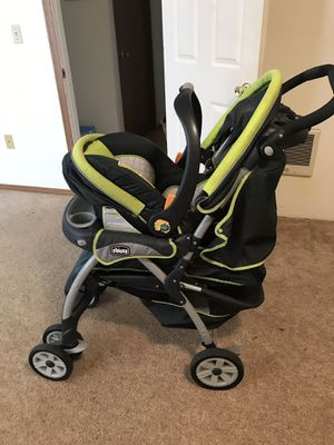 Chicco car seat and stroller combo FREE!!!! for Sale in Sumner, WA