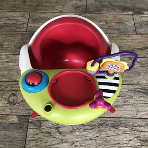 Mamas and papas booster chair for baby's and toddlers for Sale in San Bernardino, CA