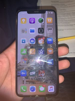 IPhone XS Max for Sale in Waterbury, CT