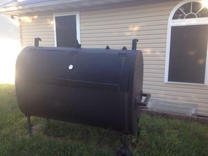 Large steel BBQ smoker/grill for Sale in O'Fallon, IL
