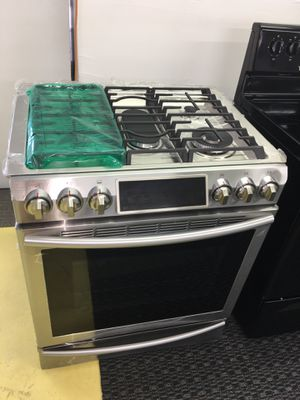 Brand New Stainless Steel Slide-In Gas Stove With Comal No Credit Needed Just $54 The Down payment Cash price $1,500 for Sale in Garland, TX