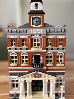 LEGO 10224 Town Hall All Minifigures No Box No Manual for Sale in Palos Verdes Peninsula,  CA