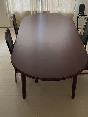 Oval dining table for Sale in Fort Belvoir, VA