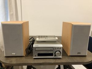 Onkyo CR305TX CD Receiver & Speakers for Sale in Seattle, WA