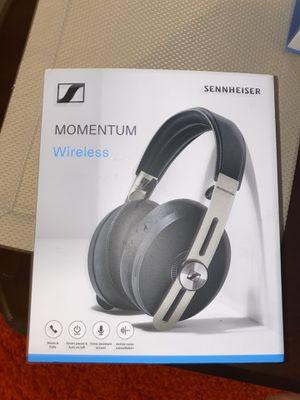 Sennheiser momentum 3 wireless headphones for Sale in Chicago, IL