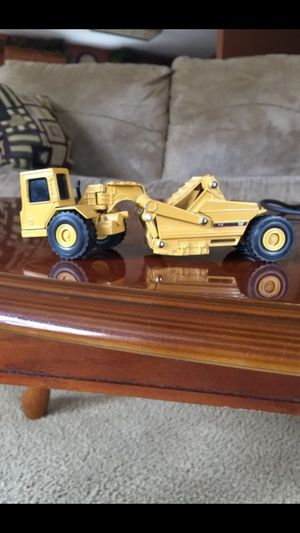 Rare Caterpillar CAT 613C Scraper, 1/64 Scale. Excellent Condition. Pick up in East Clayton near East Clayton elementary for Sale in Clayton, NC