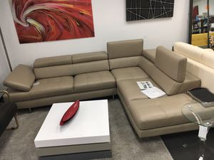 2pc Italian leather sectional for Sale in Alexandria, VA
