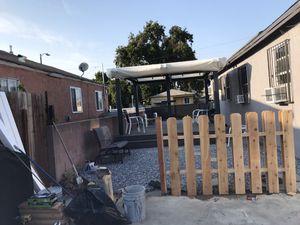 Se hacen cercas de madera a tu estilo para darle una vista a tu jardín for Sale in Midway City, CA