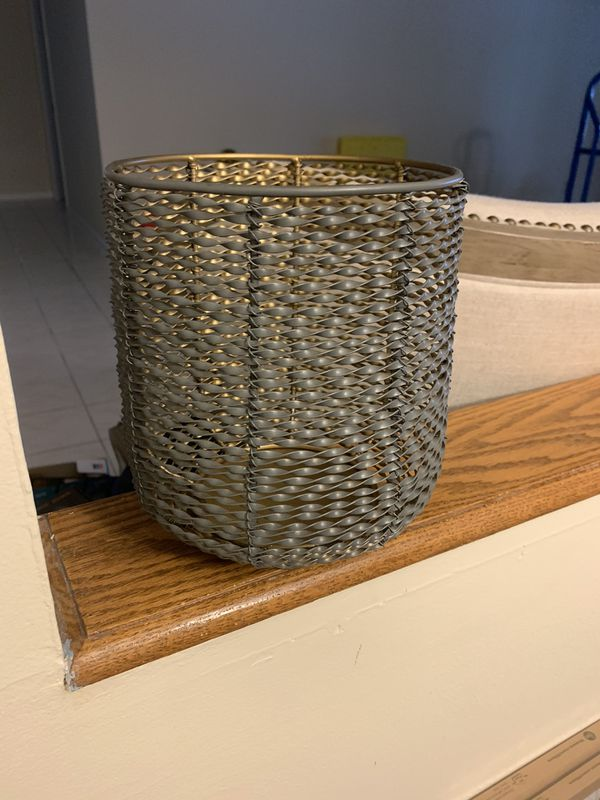Candle Holder (uses 3x3 pillar candle size-not included)