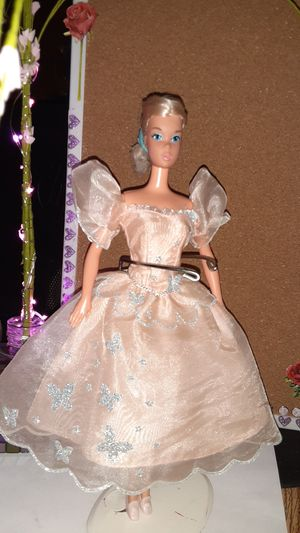 Barbie Doll Pink Princess Gown for Sale in Pomona, CA