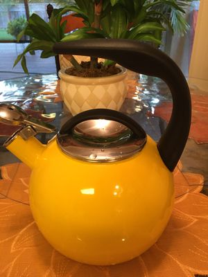 Chantal Whistling Tea Kettle for Sale in Hayward, CA