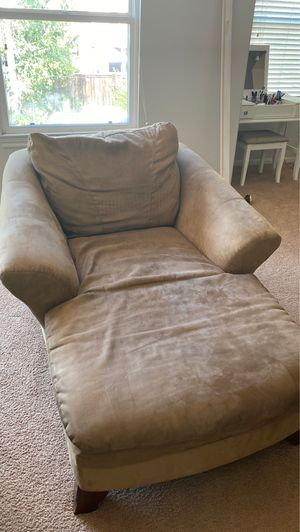 Brown Chaise lounge sofa couch for Sale in Bonita, CA