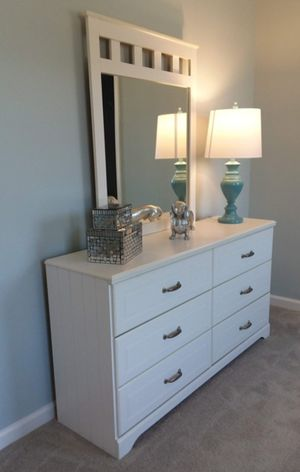 Brand New Bedroom Set Priced To Sale Fast for Sale in Helmetta, NJ
