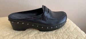 Black women's clogs size 9 for Sale in Kyle, TX