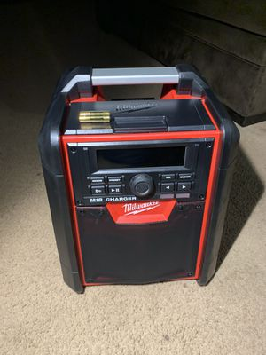 MILWAUKEE 18V Bluetooth RADIO / CHARGER for Sale in Pomona, CA