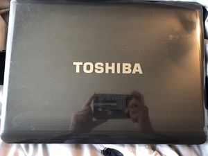 Toshiba laptop for Sale in Fresno, CA