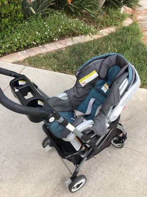 Graco Stroller and car seat click connect classic (2 base for car included) for Sale in La Jolla, CA