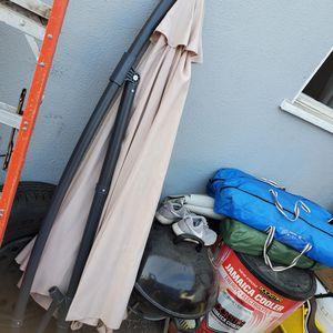 Patio umbrella for Sale in Los Angeles, CA