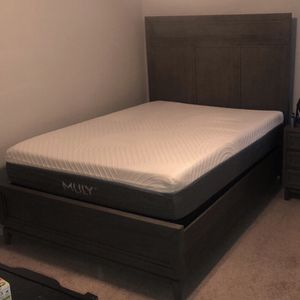 $2000 Riverside bedroom set for Sale in Lubbock, TX