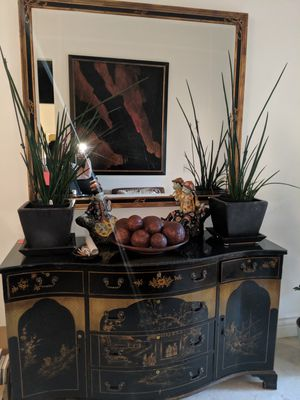 Antique buffet. Can be separated. Pending sale for Sale in Los Angeles, CA