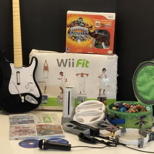 Nintendo Wii System bundle for Sale in Fort Worth, TX