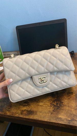 Chanel Classic Bag for Sale in Santa Monica, CA